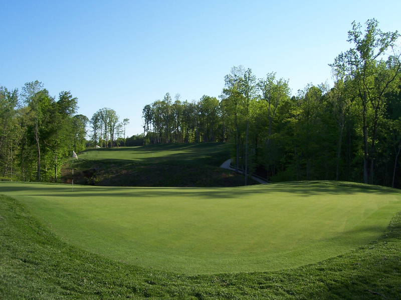 Colonial Heritage 16th Hole